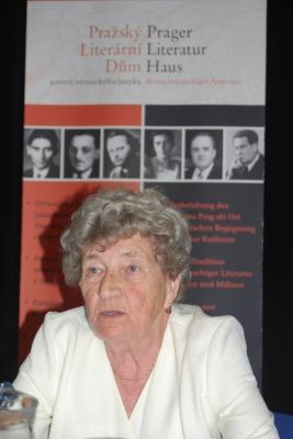 Schriftsteller-Treffen in Lidice